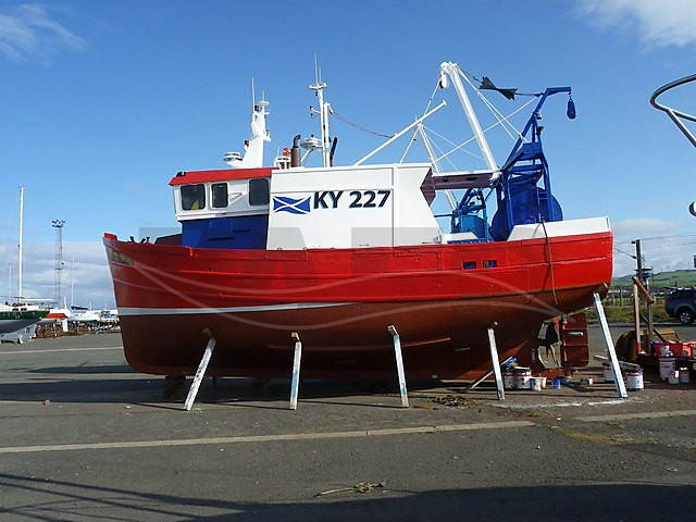 Photo viewer: wooden trawler - picture 4