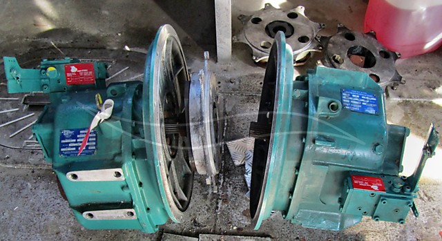 2 x ZF 280 gearboxes + spare gearbox - picture 1