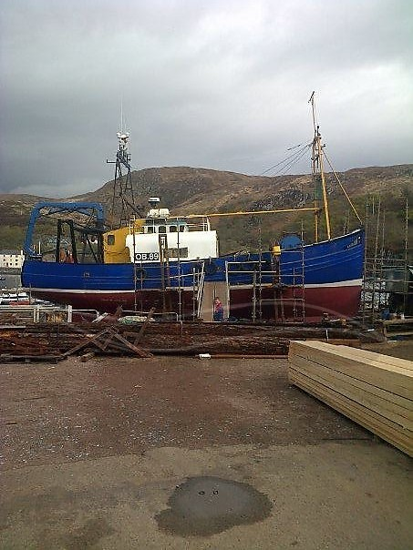Twin rig trawler - picture 1