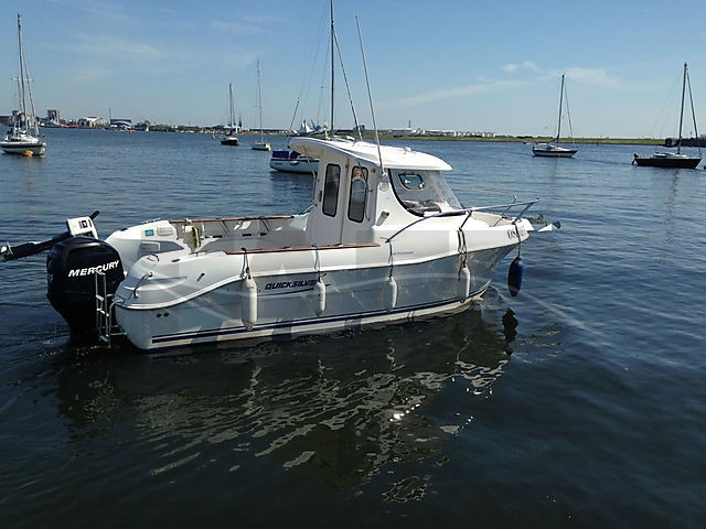 Quicksilver 640 pilot house cardiff fafb for Pilot house fishing boats