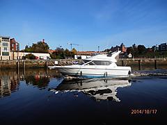 SUSAN LAMBERT, BAYLINER2858 CIERA FLYBRI boat for sale