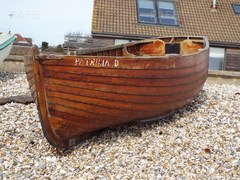 Lower Built Classic Wooden Clinker Boat - Patrica D - ID:77954