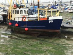 Hasting beach boat steel - Solent star - ID:89507